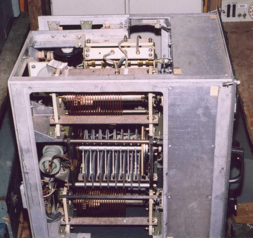 Обзор радиостанции Р-140.  Радиостанция Р-140 (Р-140Д) Общий вид в походном положении (при.
